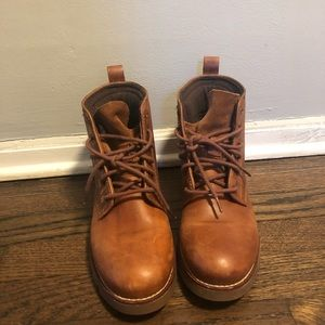 REDUCED !! Cole Haan lace up winter booties